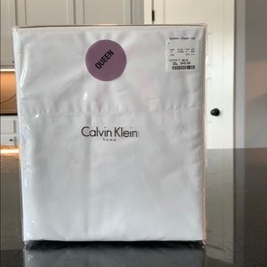 Calvin Klein Queen Sheet Set